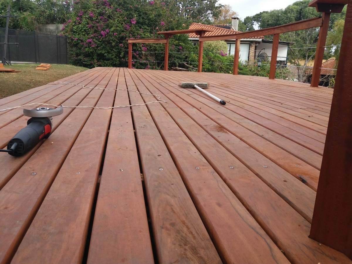 deck de madera para exteriores