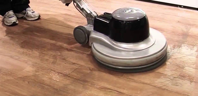 lavado y limpieza de pisos vinílicos