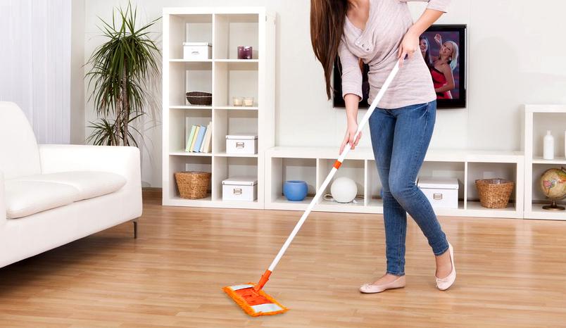 limpieza de pisos laminados en seco y húmedo
