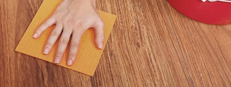 limpieza de pisos vinílicos