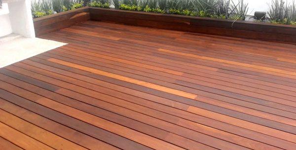 deck de madera cumarú
