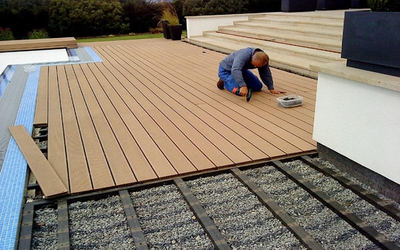 piso deck para exteriores