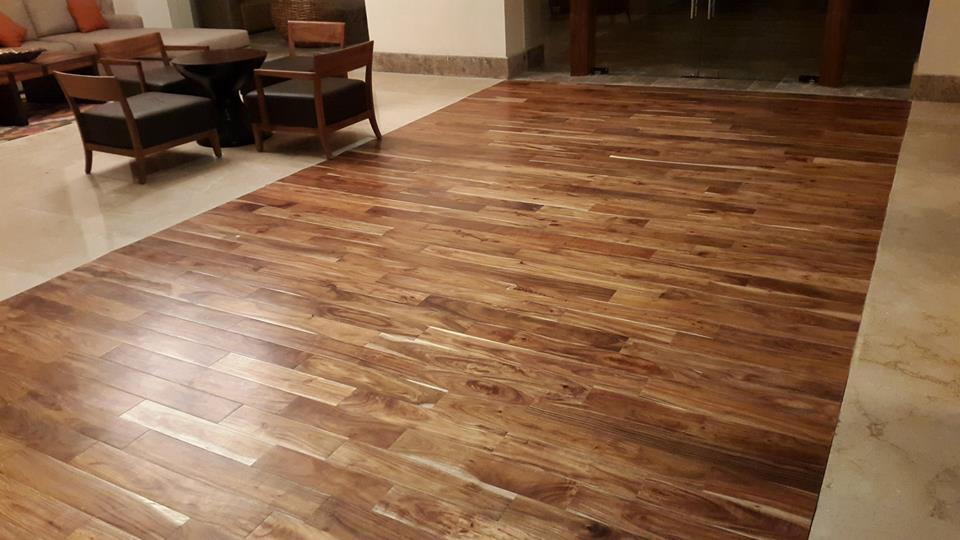 piso de madera de ingeniería